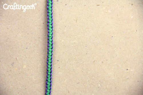 b1be925e2d5f Pulsera Nudo Plano de 2 Colores // Macrame FACIL ~ Craftingeek