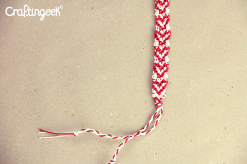 Blog_pulsera-macrame-corazones-sin-relleno-wristband-heart5