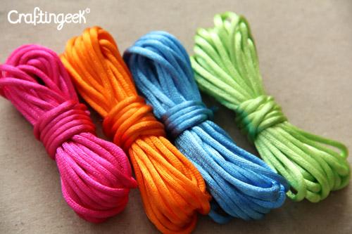 92035ef32929 Tipos de hilo para hacer pulseras