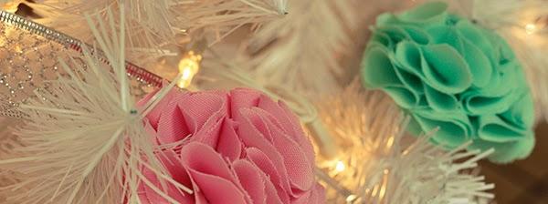b_pom-pom-fabric-flowers
