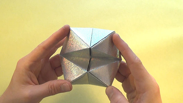flexahedron brillante