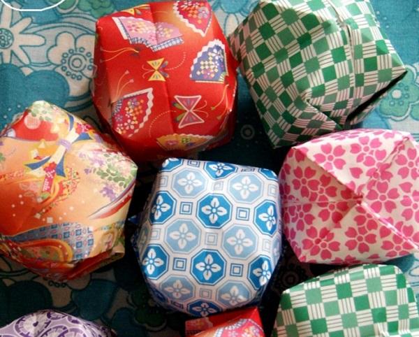 globos de papel de colores