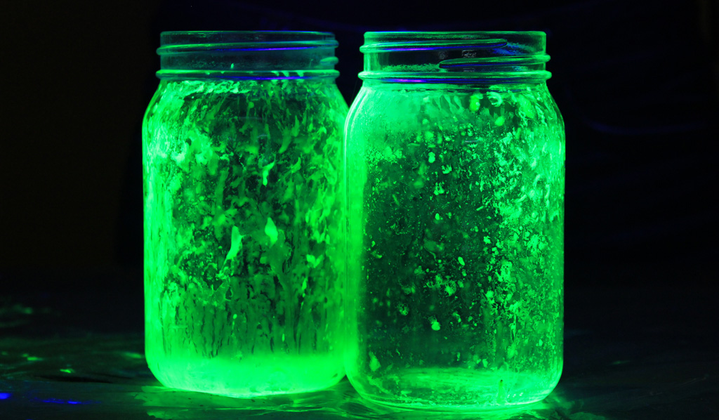 Cómo hacer frascos que brillan en la oscuridad ~ Craftingeek