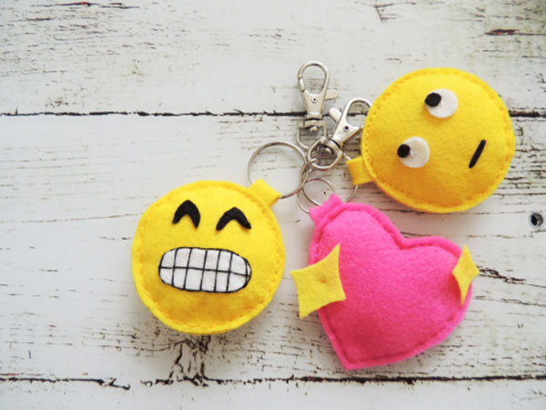 llaver-emoji-fieltro