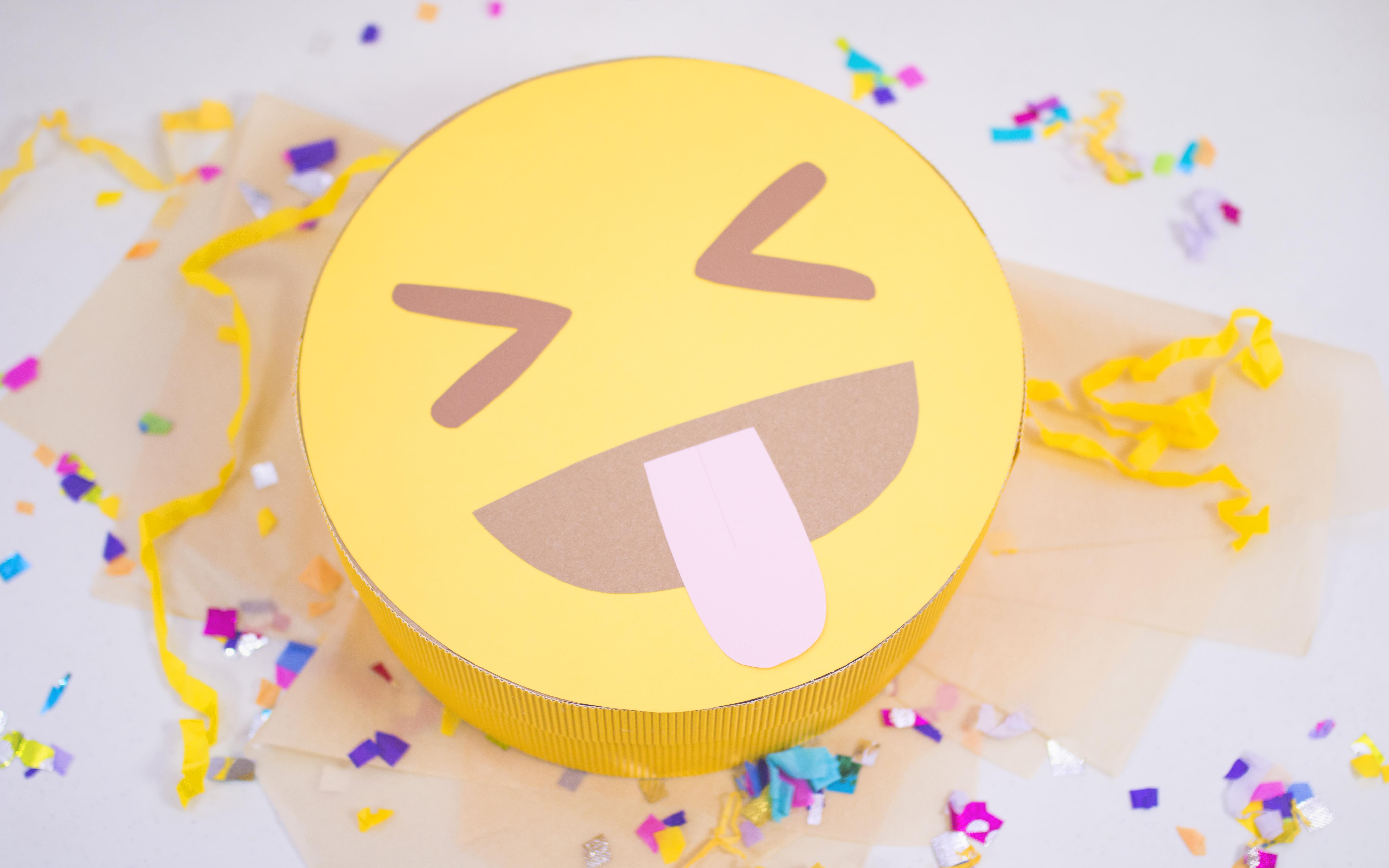 cajas para regalo emoji