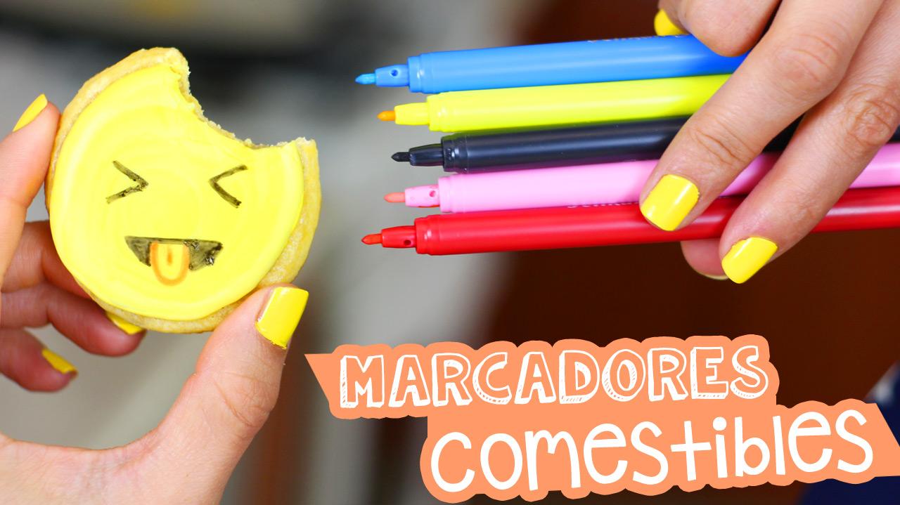 Aplica con marcadores comestible en tus galletas favorita // Use edible spray on your favorite cookie