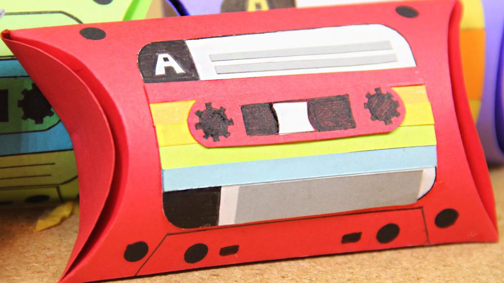 d_pillow box geek craftingeek