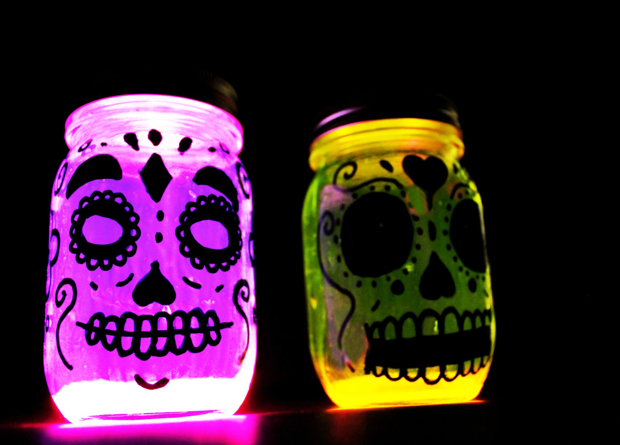 frascos que brillan calaveras