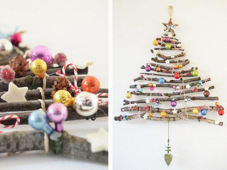 arbol navidad con troncos