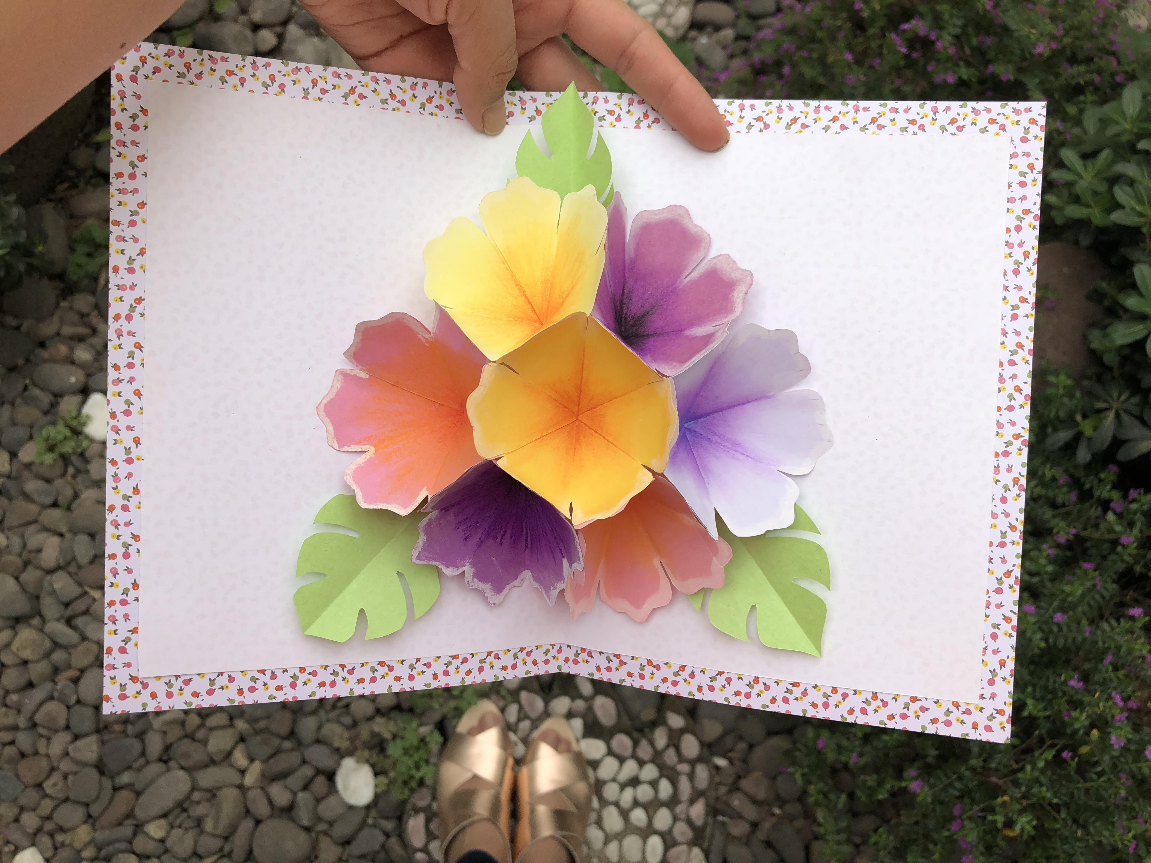 tarjeta flores pop-up
