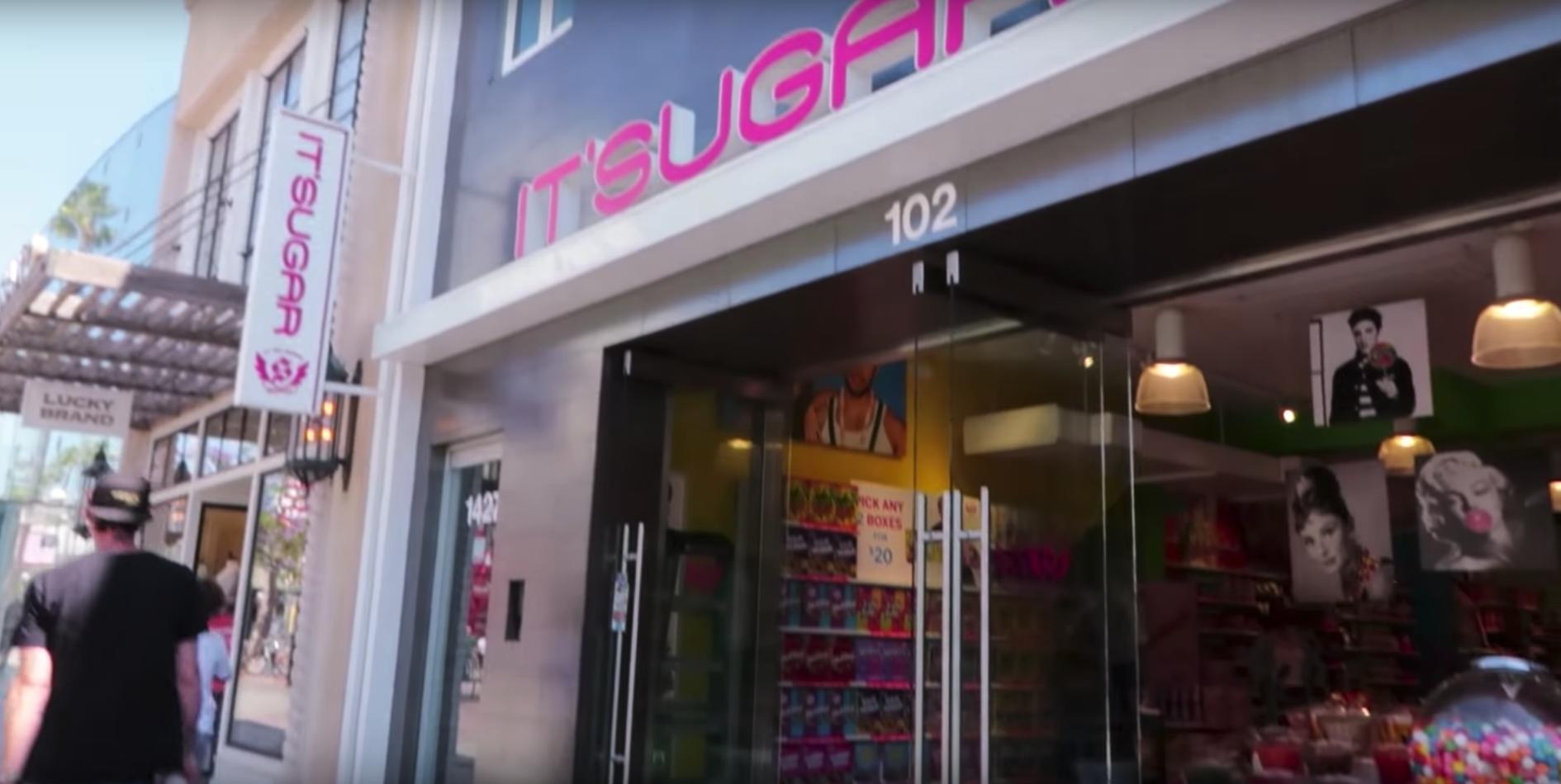 Esta tienda vende dulces gigantes ¡está increíble!