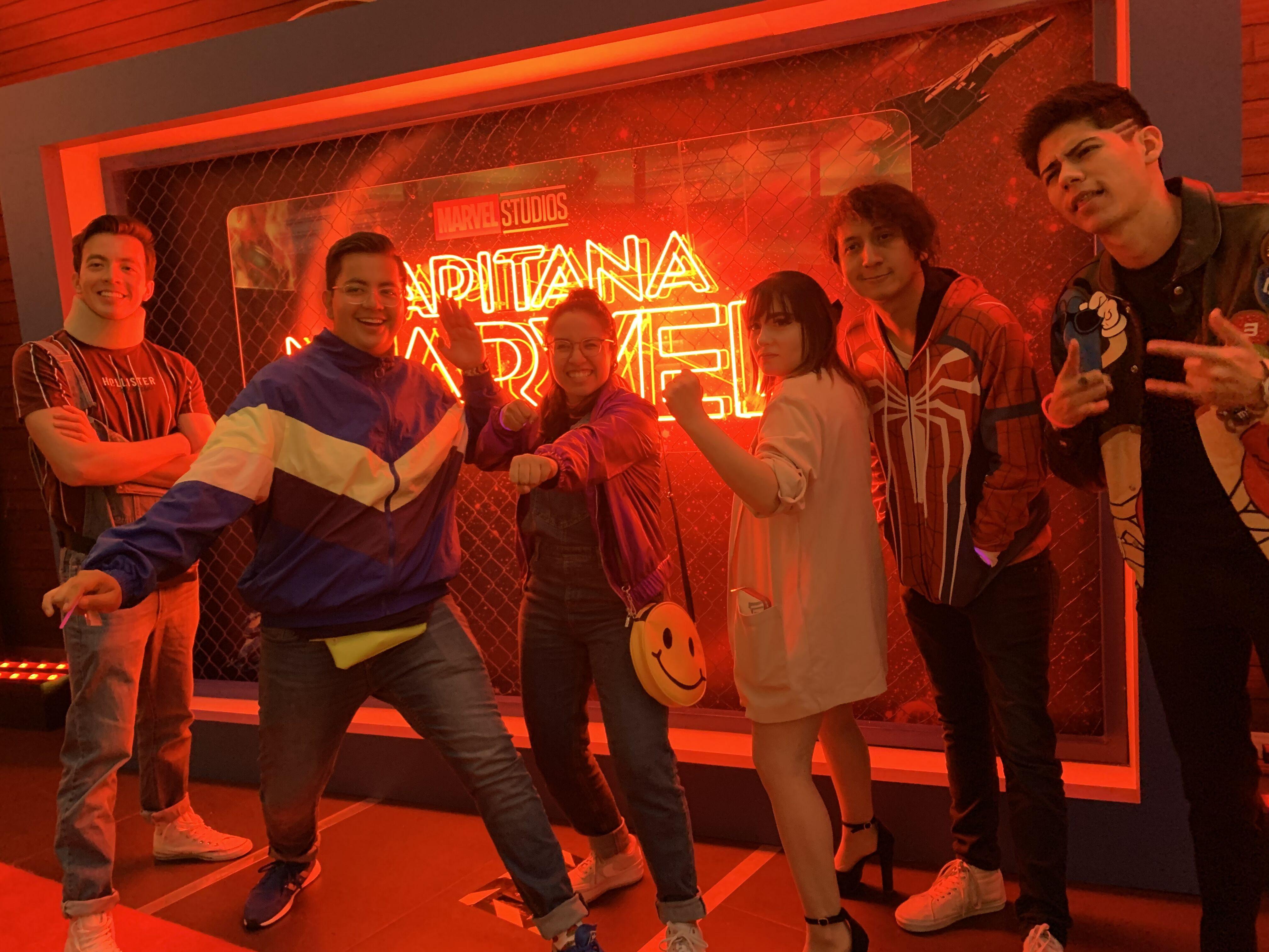 A mis amigos de Youtube y a mi nos invitaron al estreno de Capitana América, fue muy divertido | My friends from YouTube and I were invited to the premiere of Capitana América, it was very fun